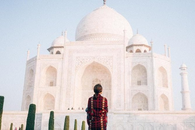 Taj mahal tour from Bangalore in One day with Round ticket and Multiple offers