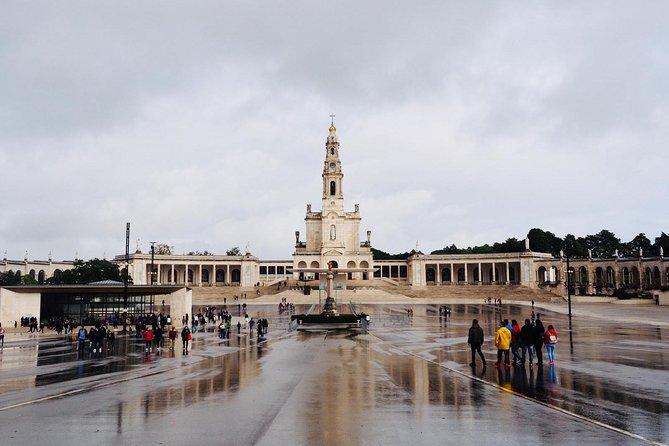 Excursión privada de Fátima, Óbidos, Batalha y Nazaré