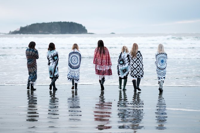 120 Minute Vacation Photography Session with Local Photographer in Tofino