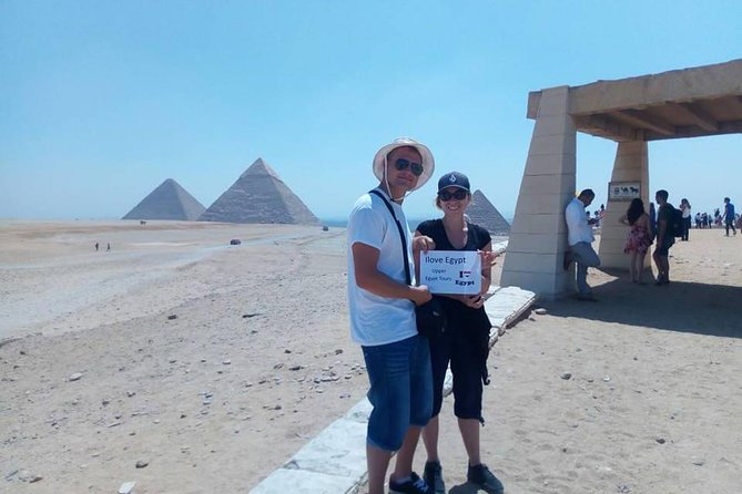 8-Hour Private Tour of the Pyramids, Egyptian Museum and Bazaar