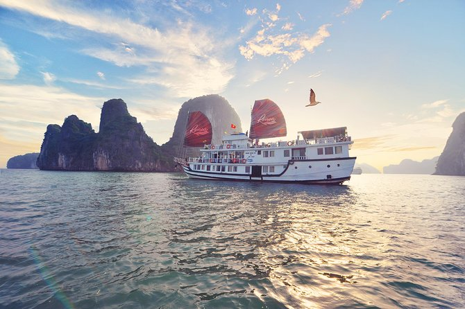 Deluxe Renea Cruise -Package 2 days 1 night on Halong Bay and Bai Tu Long Bay