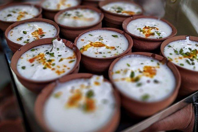 Varanasi: 3-hour Shopping and Street Food Tour on a tuk-tuk ride