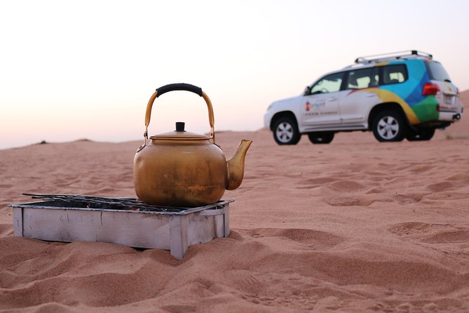 Sunrise Desert Safari with Falcon show & Picnic Breakfast photo 3