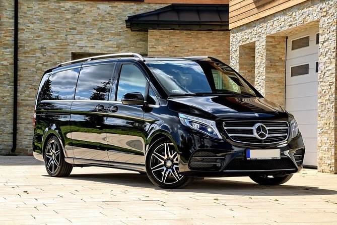 Antalya Airport (AYT) to Kaleici Transfer - TOP VIP Minivan