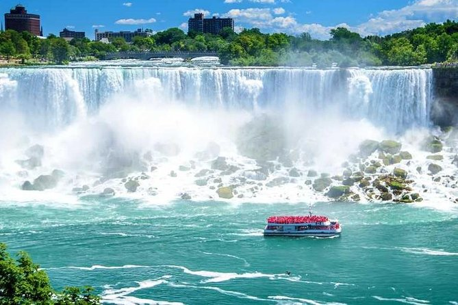 Small Group Tour of Niagara with Boat Cruise from Toronto