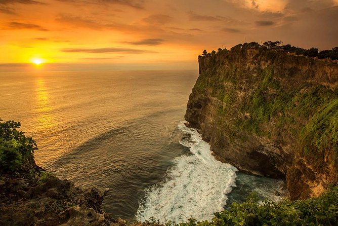 Private Tours : Uluwatu Temple - Kecak Dance - Jimbaran Seafood Dinner