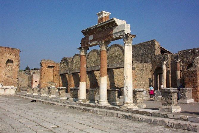 Private Transfer: Fiumicino Airport to Pompeii or vice versa