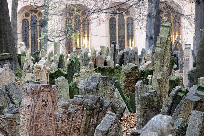 Prague Old Town tour and external Jewish Quarter
