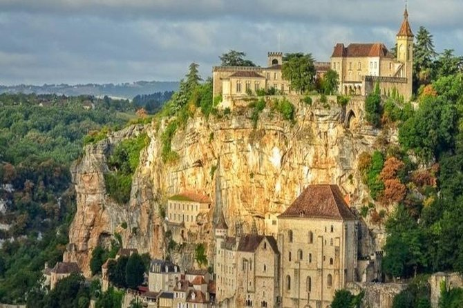 Private half-day tour to Rocamadour by EXPLOREO