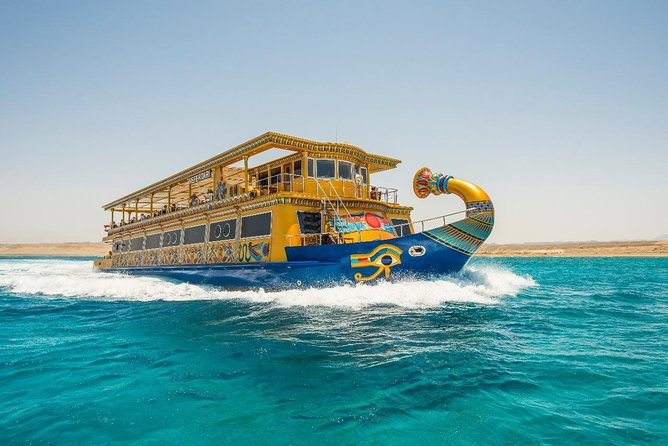 Nefertari Meeresreich Boat & Half Submarine Sea Excursion - Marsa Alam German
