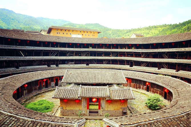 Round Trip Transfer Between the Most Picturesque Chuxi Tulou Cluster and Xiamen