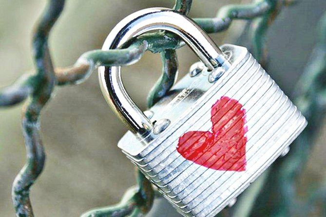 Bali Tour: Padlocks of Love with Birds Village