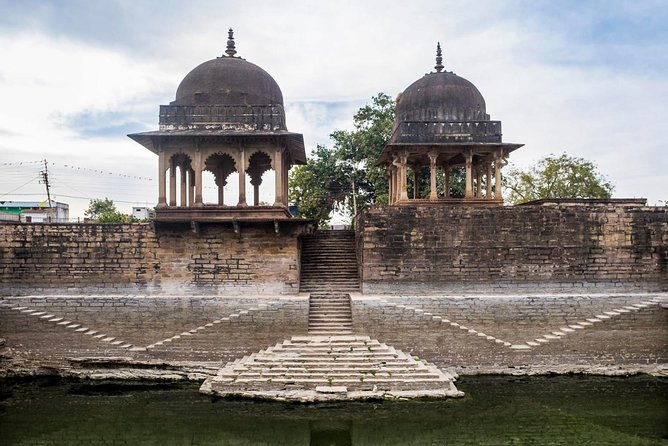 Full-Day Private Guided Chanderi Tour from Orchha with Lunch