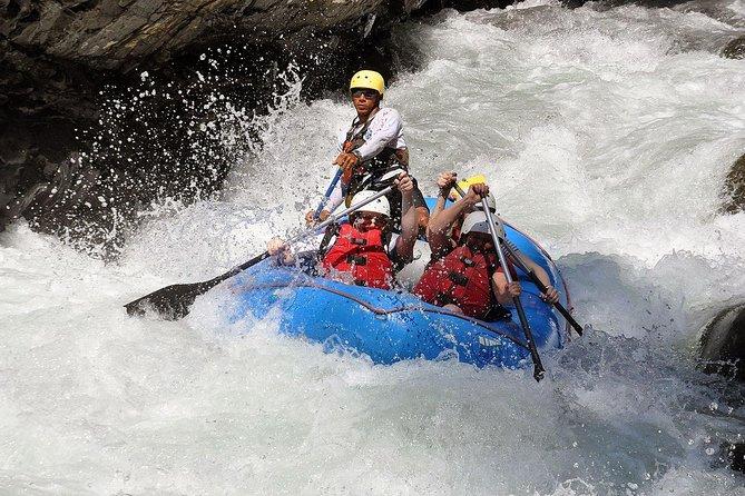 Rafting en aguas blancas del río Naranjo | Clase III de Manuel Antonio