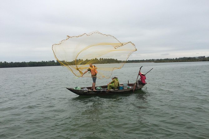 Hoi An Fishing Tour with Basket Boat Experience