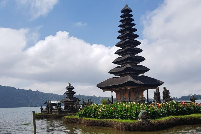 Privat full day tour, tanah lot temple, Jatiluwih rice terrace, Bratan temple