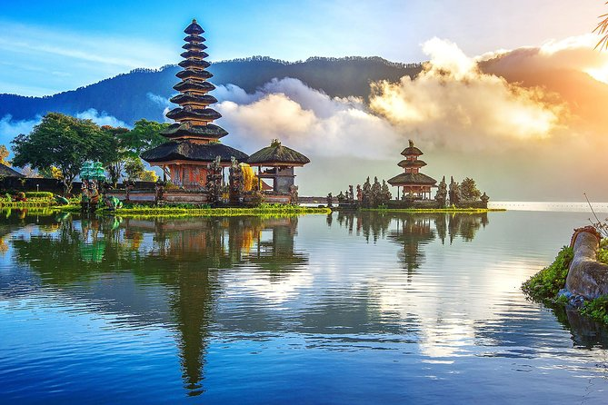 Ulun Danu tample and Tanah Lot sunset