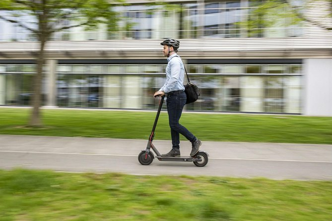 Electric scooter WEEKLY rental