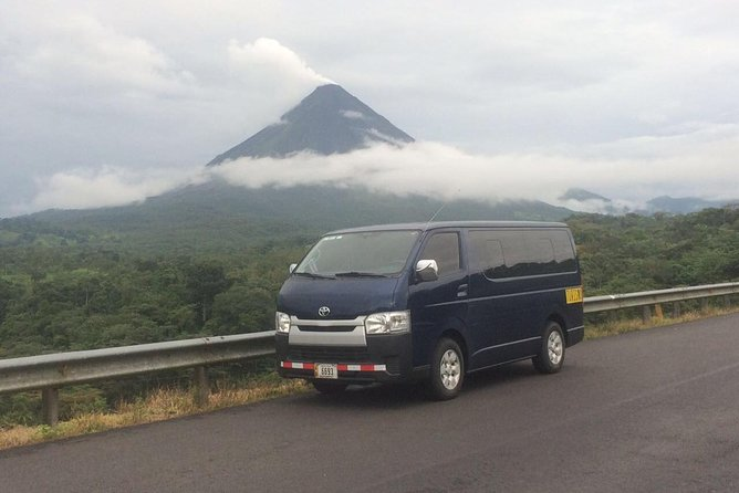 Private Shuttle from San Jose airport to La Fortuna/ Arenal