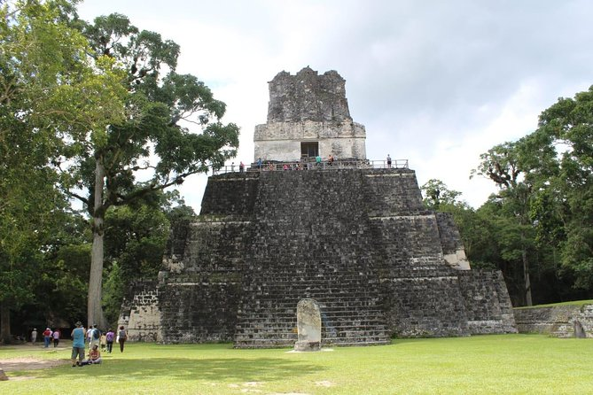 Tikal VIP Private Day Tour from Flores all-Inclusive
