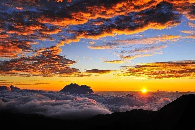 Haleakala Maui Sunrise Tour with Breakfast and Pickup