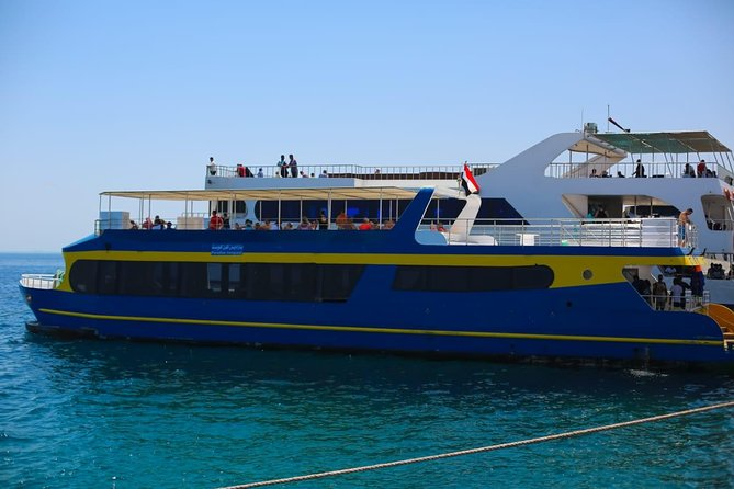Paradise Con-Quest SEMI Submarine 5 HOURS With Snorkeling & BBQ Lunch