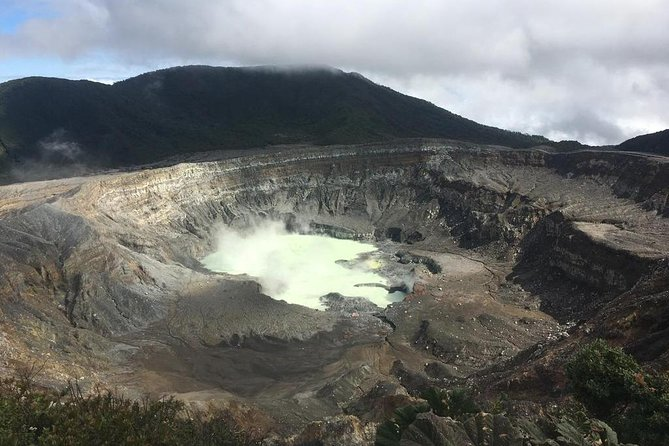 Private Shuttle from San Jose to Arenal via Poas Volcano