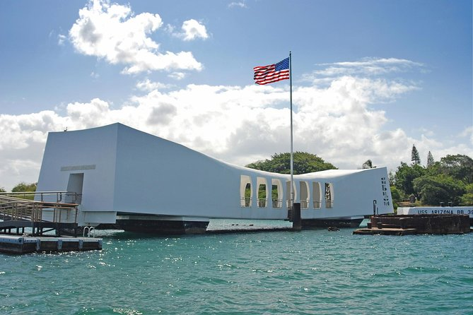 Pearl Harbor and Scenic Oahu Private Tour