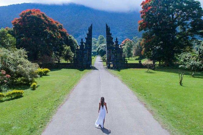 Bali Instagramable Tour : Handara Gate-Wanagiri Hidden Hills-Banyumala Waterfall