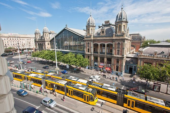 Excursión privada de 4 horas de Budapest en transporte público que incluye crucero por el río Danubio