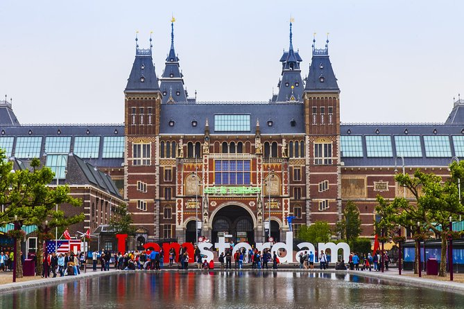 Private Departure Transfer: Amsterdam Hotel to Airport