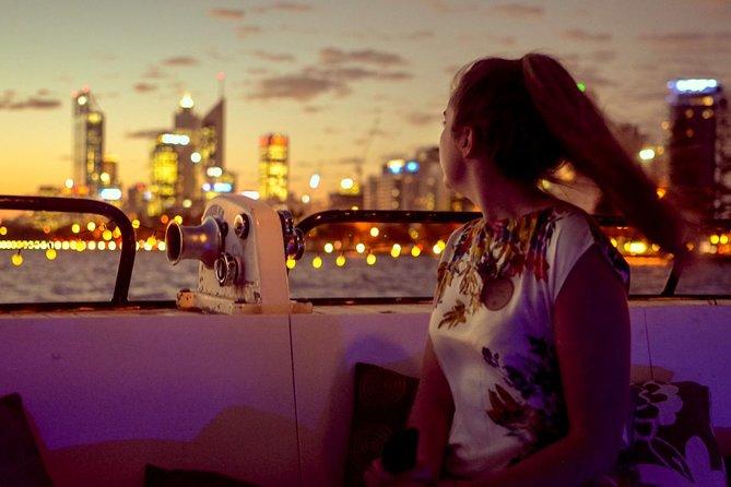 1,5 timmars kväll Swan River Cruise med ost och vin i Perth