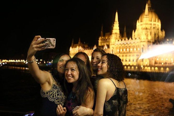 Dinner & Cruise on the Danube in Budapest, Budapest, HUNGRIA