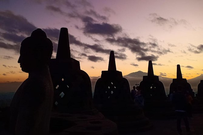 Borobudur Sunrise Tour Through Manohara Hotel