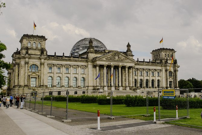 Representing a New Germany: An Architectural Photography Audio Tour by VoiceMap