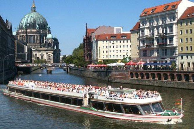 Palacio de Charlottenburg: Cena y concierto con crucero turístico por el río Spree