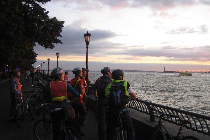 ブルックリンブリッジとビッグアップルハイライトトワイライトバイクツアー