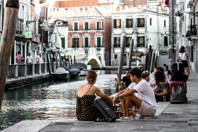 Venice: Aperitif & Cicchetti Tasting and Walking Tour