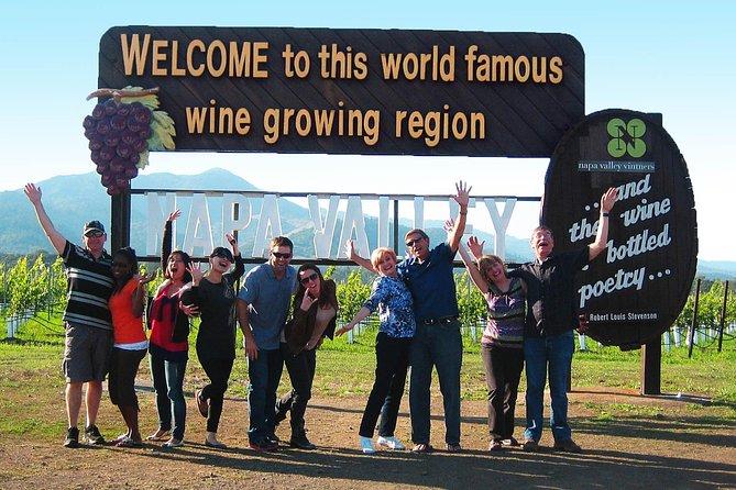 Recorrido de catas de vinos para grupos pequeños por los condados vinícolas de Napa o Sonoma