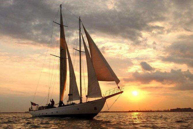 New York City Sunset Sail aboard Shearwater