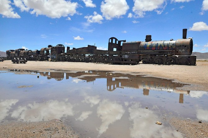 Private Salt Flat Full-Day Tour Including The Cemetery of Trains and Lunch from Uyuni photo 6