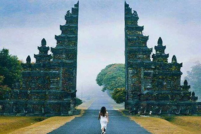 Private Tour: Bedugul and Handara Gate, Wana Giri Hill & Tanah Lot Sunset
