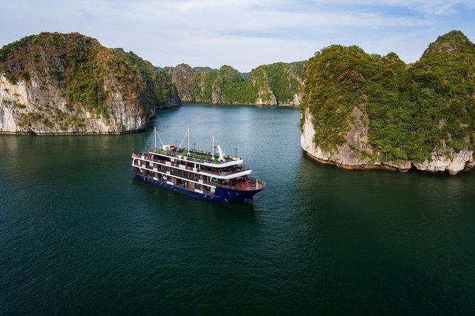 La Pandora Cruise Lan Ha bay 2D/1N: Kayaking & swimming at the pristine places