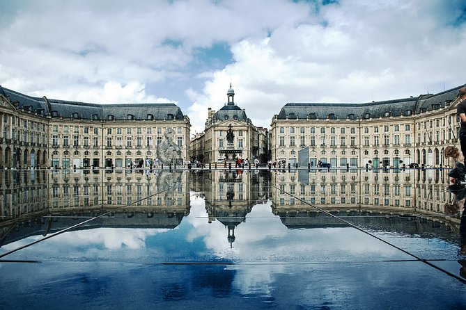 Private 3-hour Walking Tour of Bordeaux with official tour guide