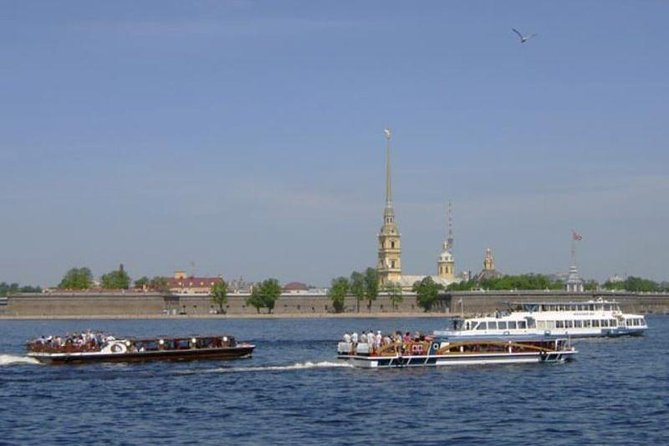 St Petersburg Boat Trip Through Rivers and Canals photo 2