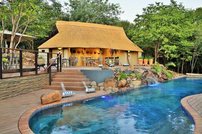 3 Days / 2 Nights Victoria Falls Safari Club Package