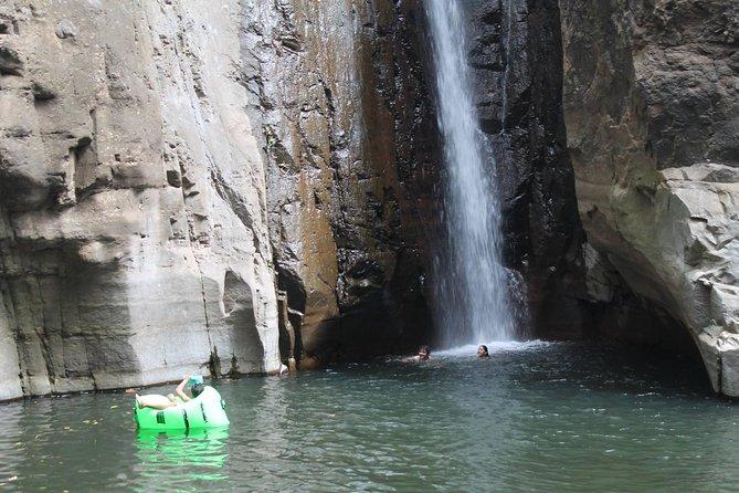 Adventure Day Tour - Tamanique Waterfalls + El Tunco beach