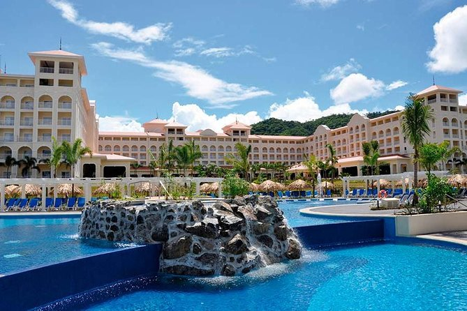 Shared Shuttle Service To Riu Guanacaste Resort
