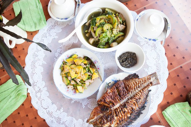 Traditional Market Tour and Private Laotian Cooking Class with a Local
