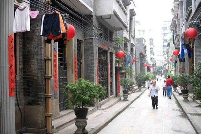 Guangzhou local neighbourhood & urban village private tour